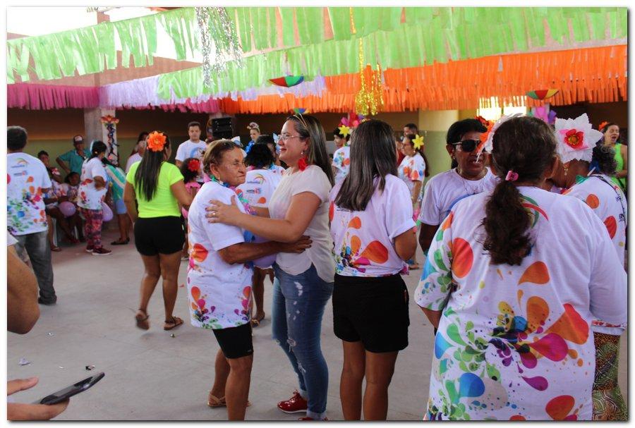 Prefeitura de Inhuma realiza carnaval dos Idosos - Imagem 28