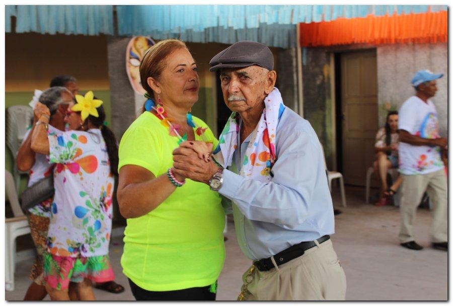 Prefeitura de Inhuma realiza carnaval dos Idosos - Imagem 30