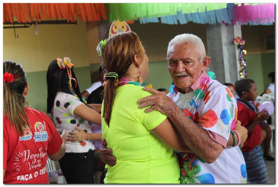 Prefeitura de Inhuma realiza carnaval dos Idosos - Imagem 5