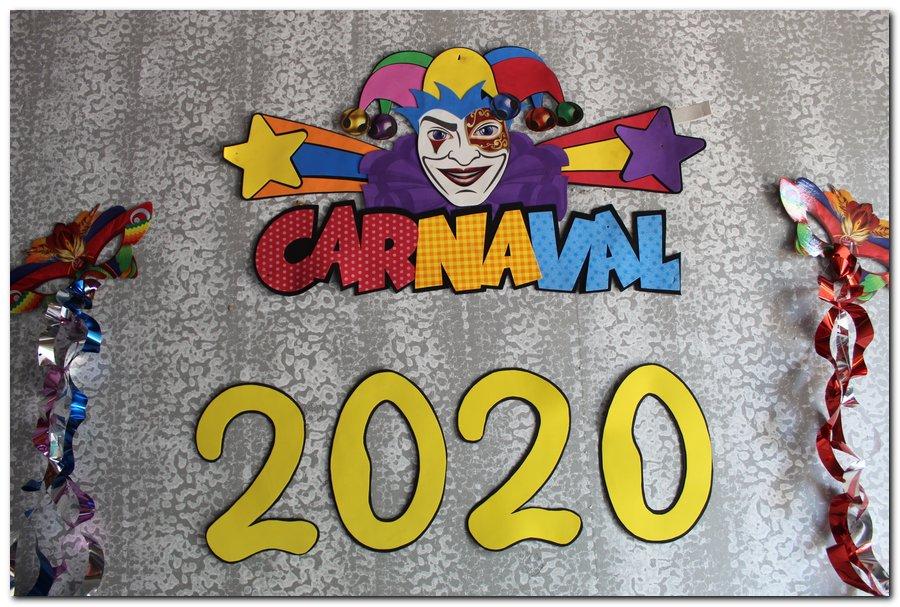 Prefeitura de Inhuma realiza carnaval dos Idosos - Imagem 3