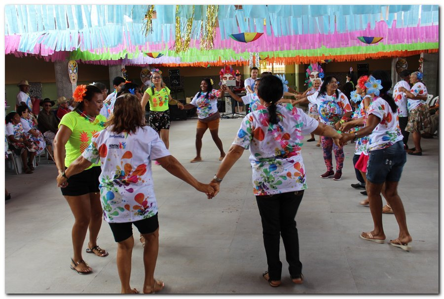 Prefeitura de Inhuma realiza carnaval dos Idosos - Imagem 1