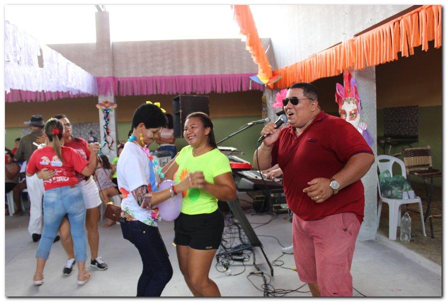 Prefeitura de Inhuma realiza carnaval dos Idosos - Imagem 7