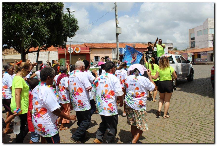 Prefeitura de Inhuma realiza carnaval dos Idosos - Imagem 19