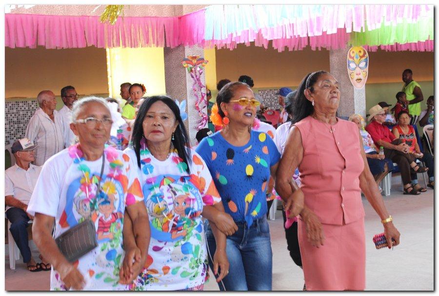 Prefeitura de Inhuma realiza carnaval dos Idosos - Imagem 27