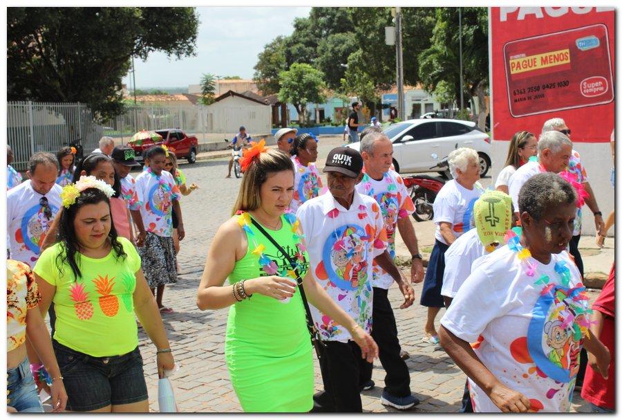 Prefeitura de Inhuma realiza carnaval dos Idosos - Imagem 20