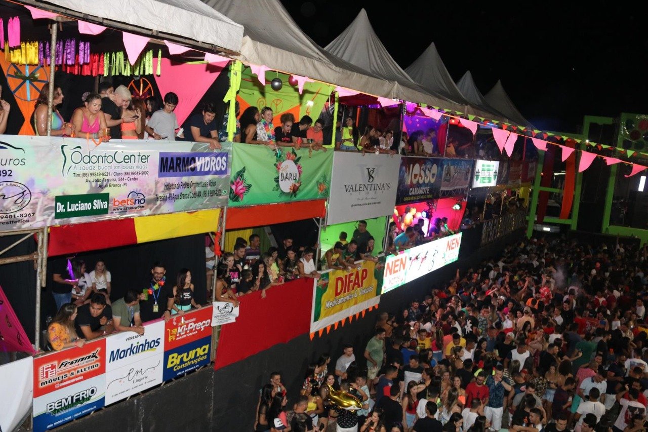 Quarta noite do Carnaval de Água Branca reuni mais de 10 mil pessoas - Imagem 4