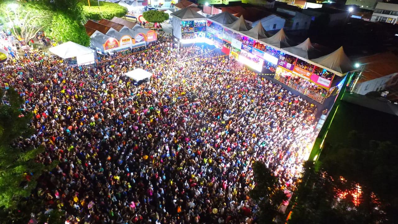 Quarta noite do Carnaval de Água Branca reuni mais de 10 mil pessoas - Imagem 1
