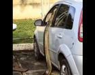 Jiboia tenta invadir carro em hospital do Rio de Janeiro; Vídeo