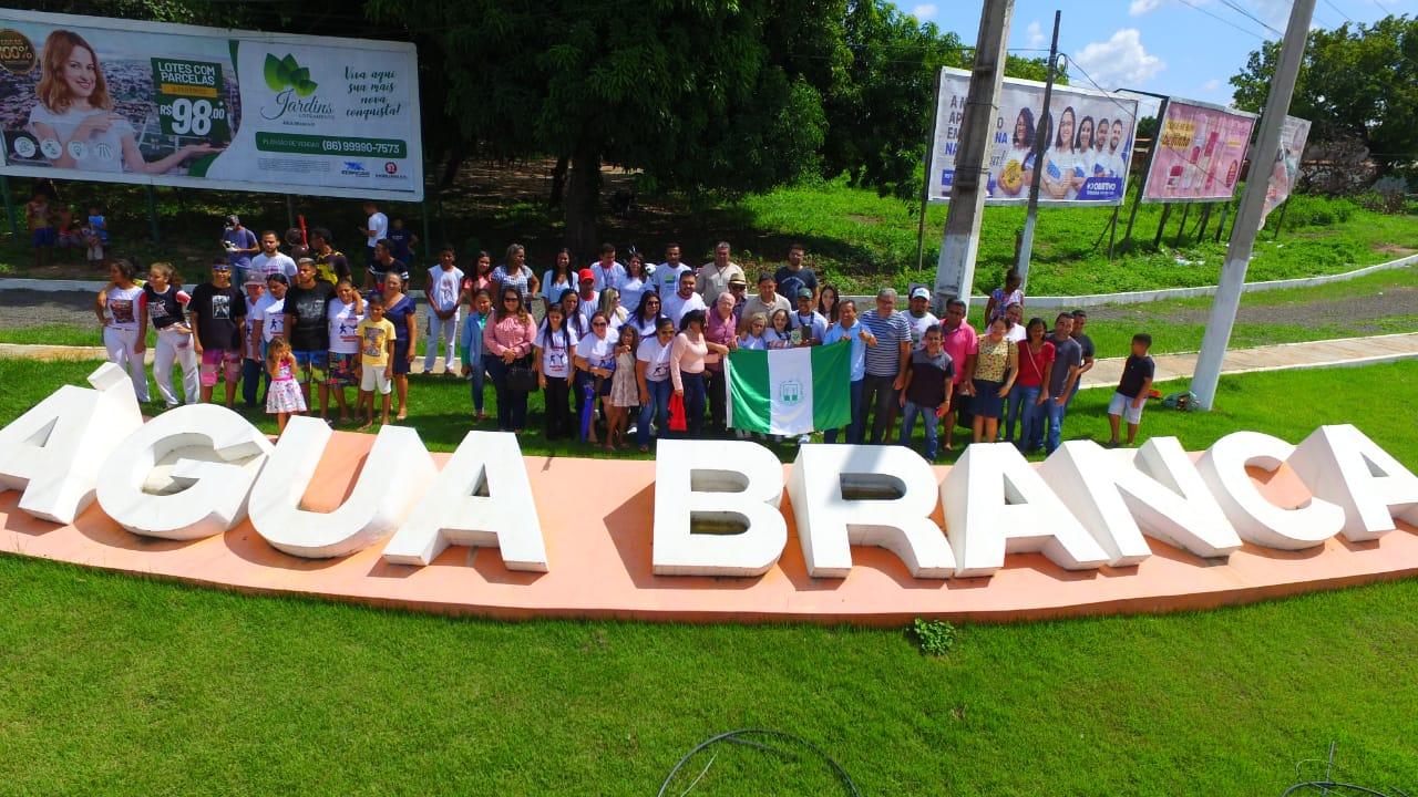 Campeã mundial de capoeira é recepcionada com carreata em Água Branca - Imagem 4