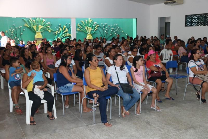 Alunos da educação infantil de Água Branca recebem novos livros - Imagem 4