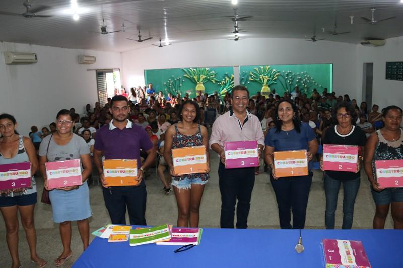 Alunos da educação infantil de Água Branca recebem novos livros - Imagem 7