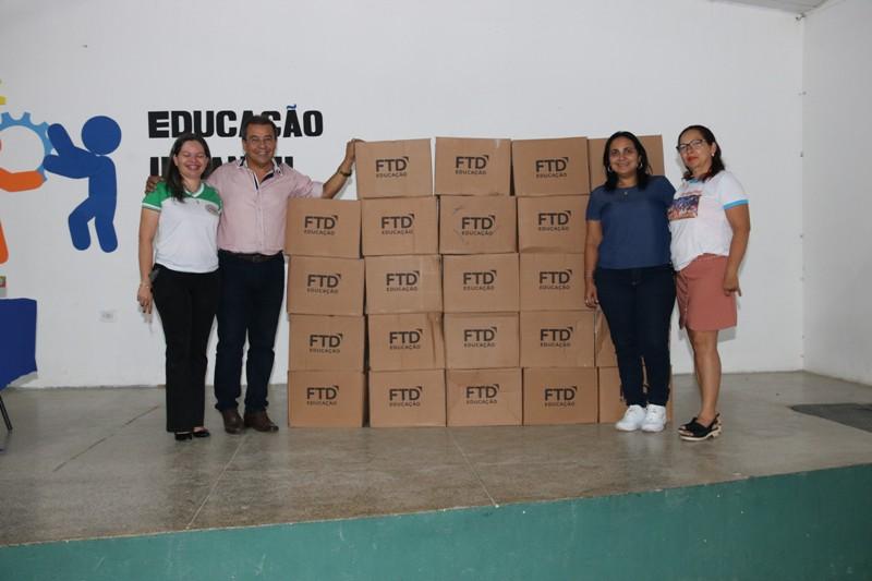 Alunos da educação infantil de Água Branca recebem novos livros - Imagem 5