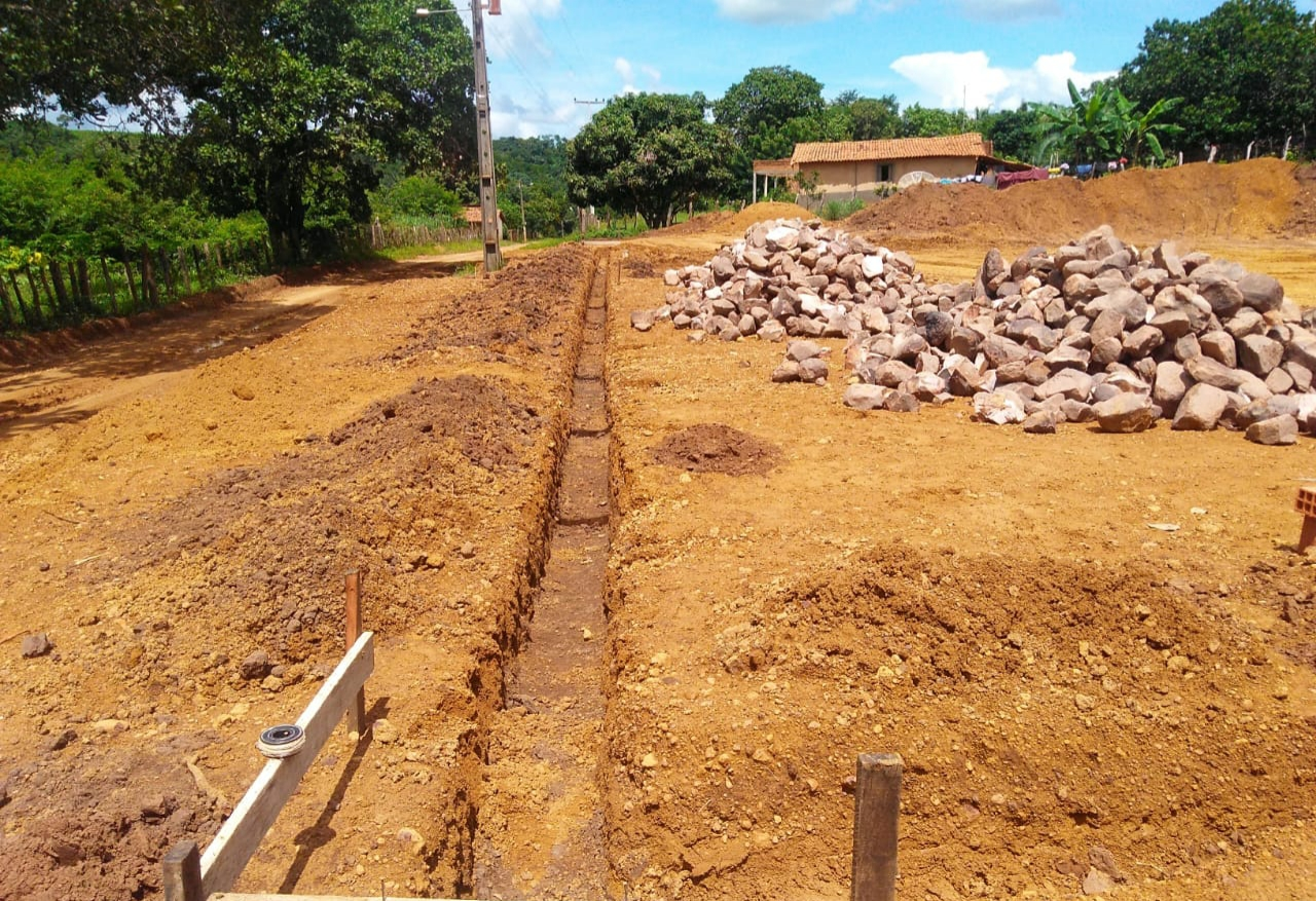Prefeitura de Barro Duro inicia construção de quadra poliesportiva no Povoado Brejão - Imagem 2