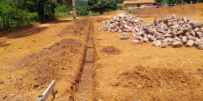 Prefeitura de Barro Duro inicia construção de quadra poliesportiva no Povoado Brejão