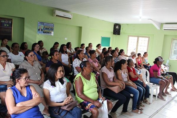Mulheres participam de palestra sobre prevenção do câncer do colo do útero  - Imagem 6