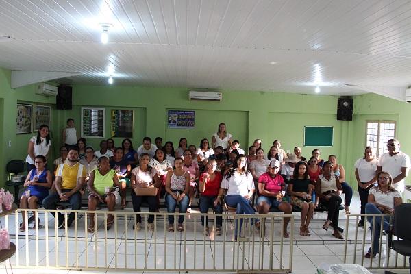Mulheres participam de palestra sobre prevenção do câncer do colo do útero  - Imagem 15