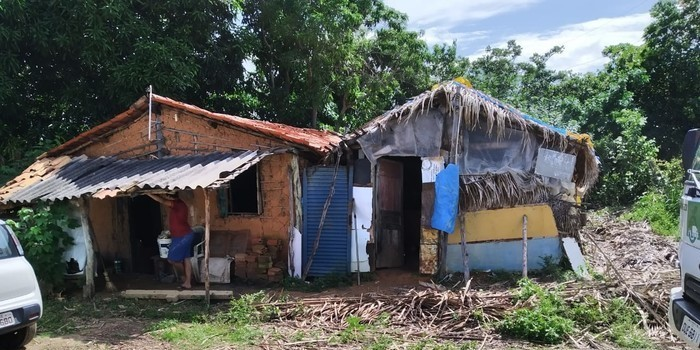 Família é retirada de área de riscos em Monsenhor Gil