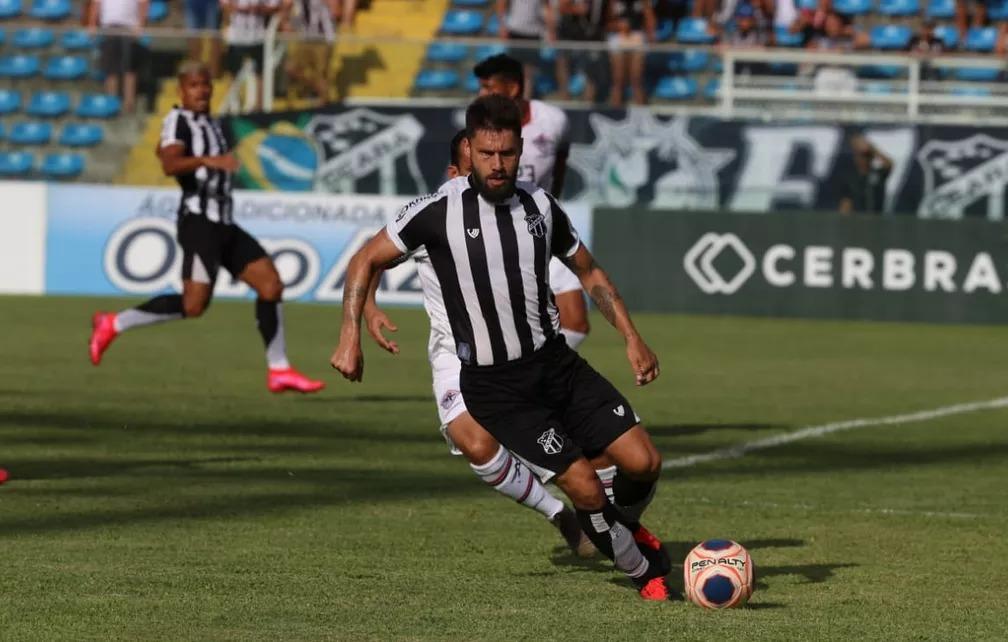 Sobis é uma das caras novas do ataque do Ceará na temporada — Foto: Natinho Rodrigues/SVM