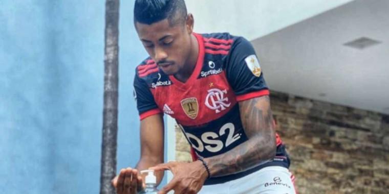 Bruno Henrique doará camisa para ajudar instituições