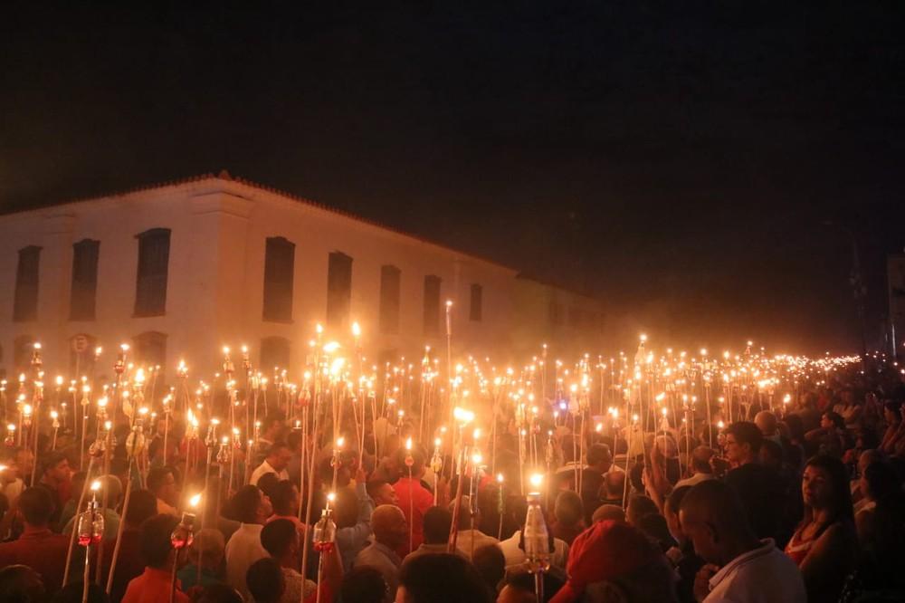 Procissão do Fogaréu em Oeiras. (FOTO: G1 PI)