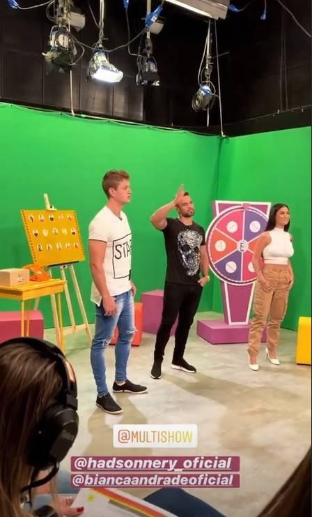Bianca Andrade ignora Lucas e Hadson em bastidores de TV
