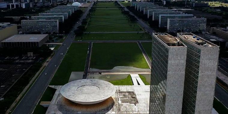 Brasília faz 60 anos, encontra novas vocações, mas mantém desigualdade