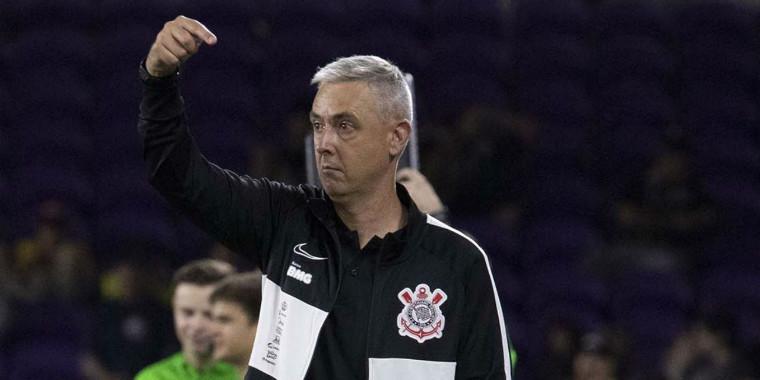 """Corinthians terá três """"reforços"""" quando elenco voltar a treinar"""