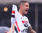 Vice-artilheiro da década no São Paulo, Pato ainda pensa na Seleção