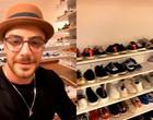 Felipe Titto mostra closet enorme cheio de sapatos e impressiona