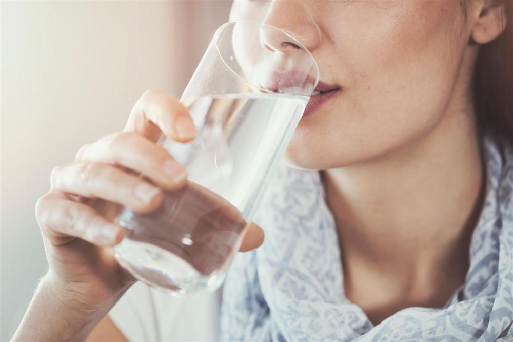 Beber água ajuda a manter a imunidade em dia? Descubra - Imagem 2