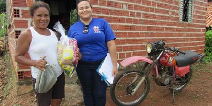 Prefeitura entrega duas mil cestas básicas para população