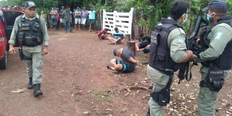 Assaltantes de banco são presos após cerco policial no Piauí; fotos