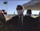Com risco de receber multa, Bolsonaro sai do Alvorada de máscara