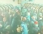 Metrô de Londres amanhece cheio após relaxamento do isolamento