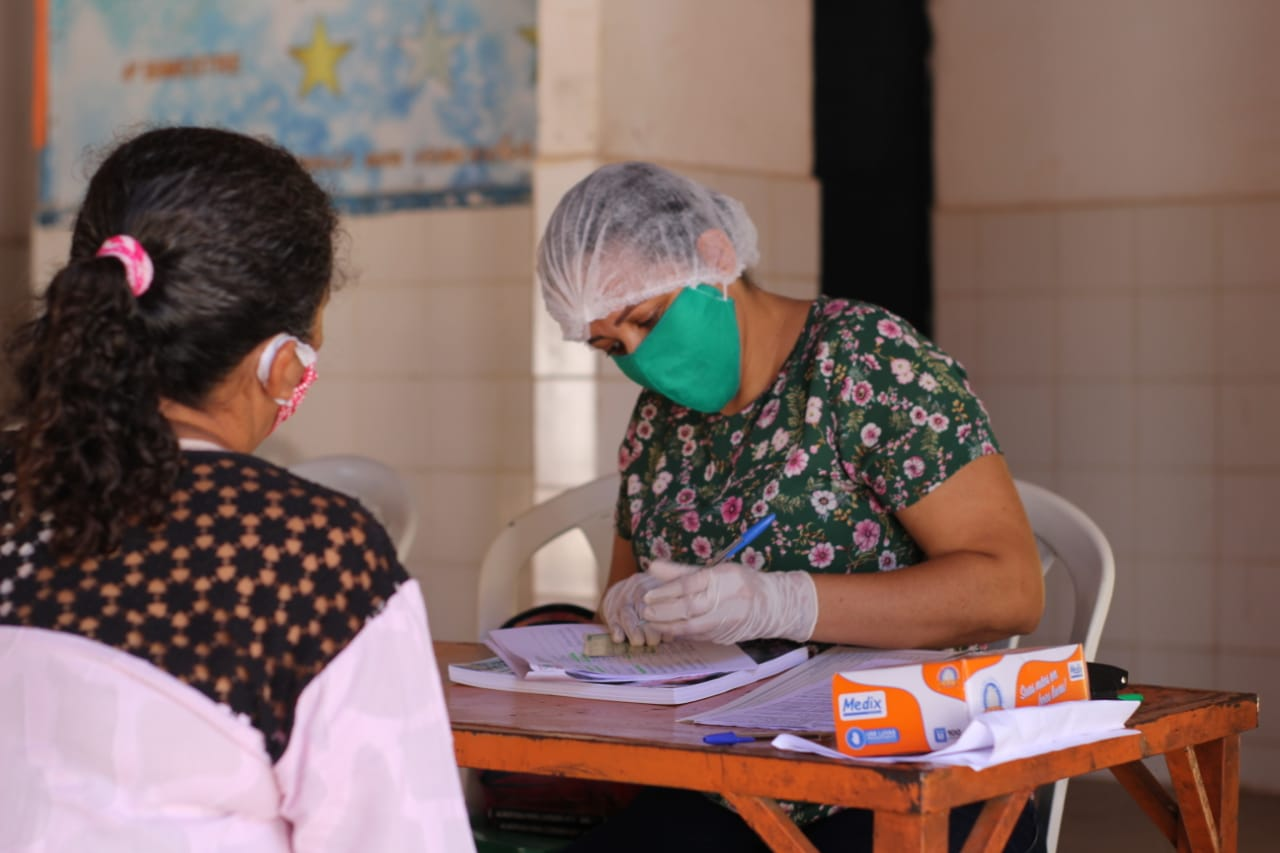 Nazária: alunos recebem material para estudar em casa  - Imagem 1