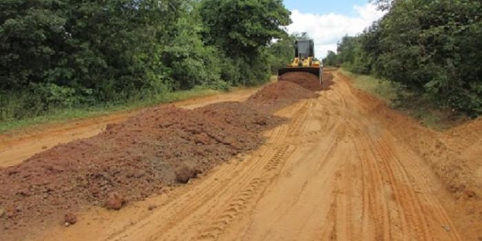 Prefeitura de São João da Serra realiza recuperação da estrada para Santa Cruz dos Milagres