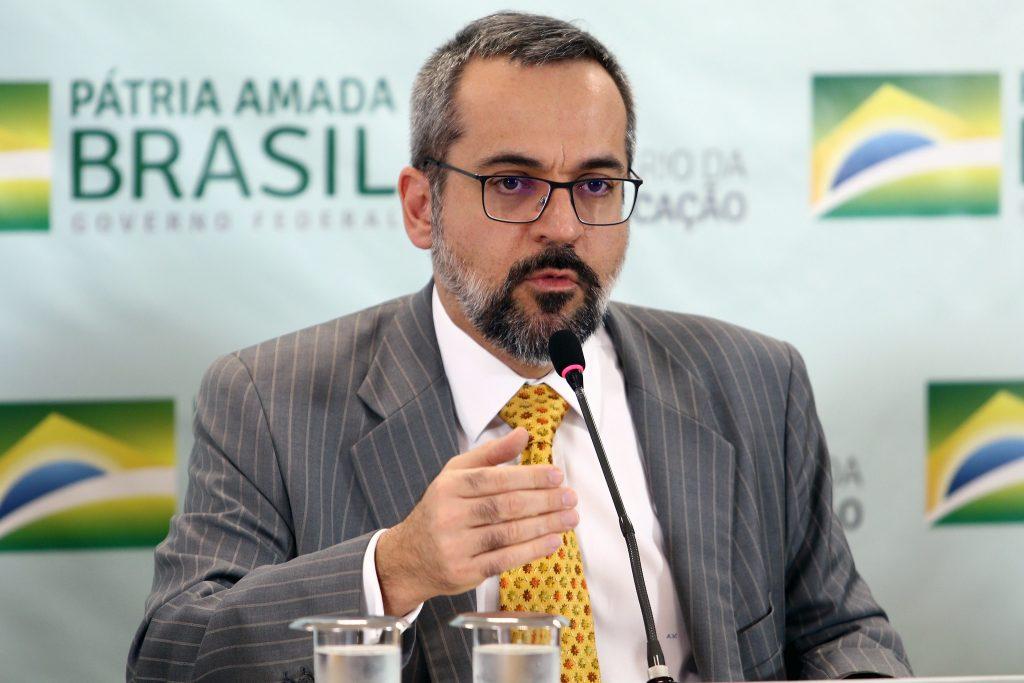 Governo pede ao STF que suspenda depoimento de Weintraub, diz ministro - Imagem 1