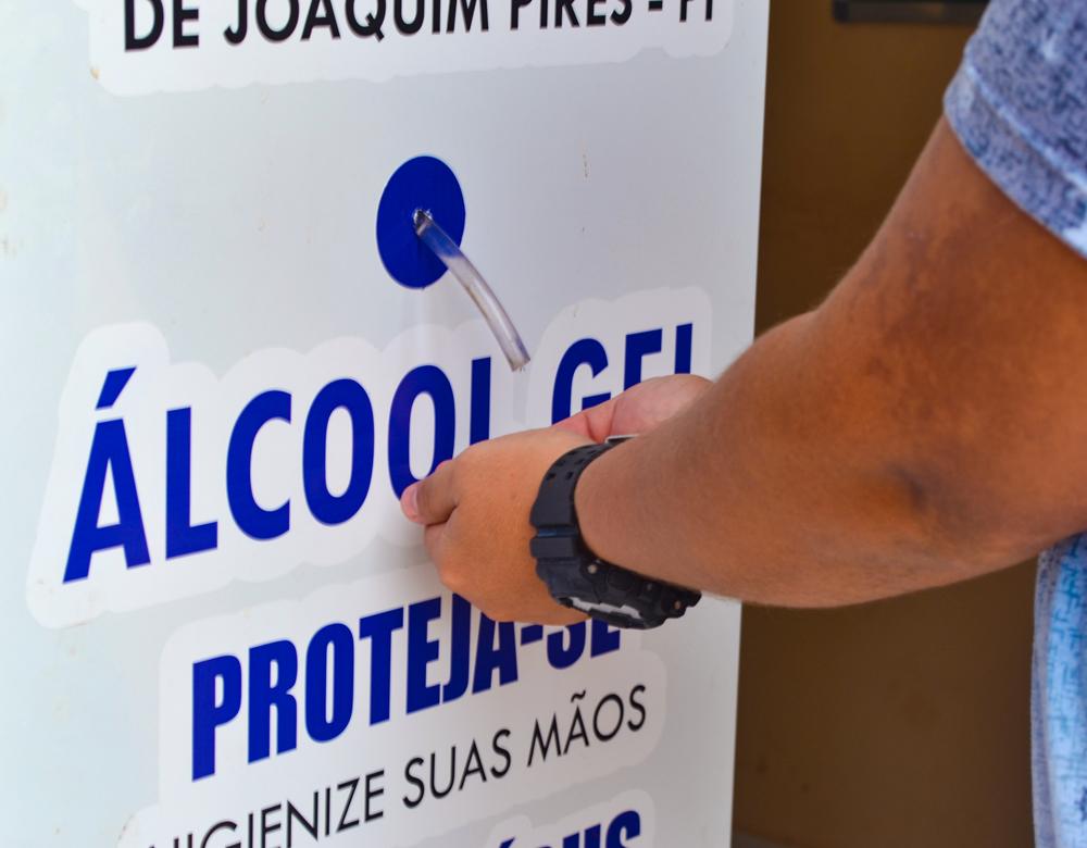 Prefeitura de Joaquim Pires adquire dispensadores com álcool em gel - Imagem 1