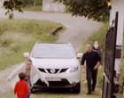 Vídeo mostra reencontro entre pais e filho após luta contra a Covid-19