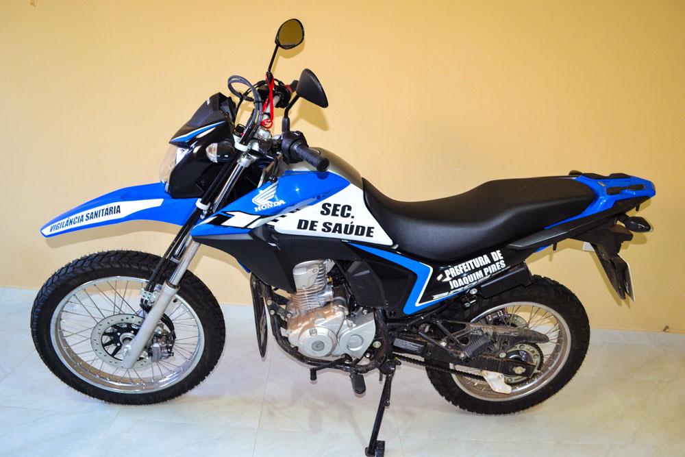 Prefeitura de Joaquim Pires realiza a entrega da segunda motocicleta - Imagem 2