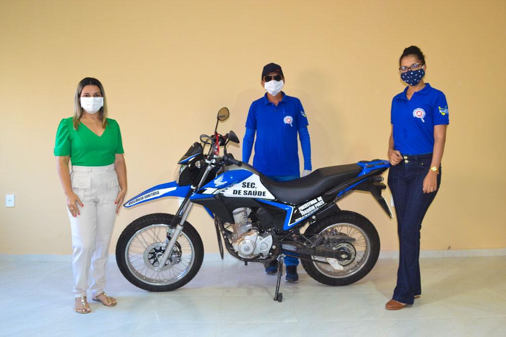 Prefeitura de Joaquim Pires realiza a entrega da segunda motocicleta - Imagem 1