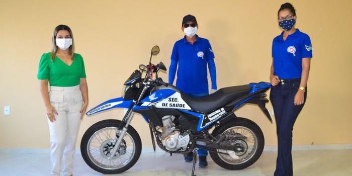 Prefeitura de Joaquim Pires realiza a entrega da segunda motocicleta