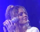 Luisa Sonza canta música feita para Whindersson Nunes e chora em live