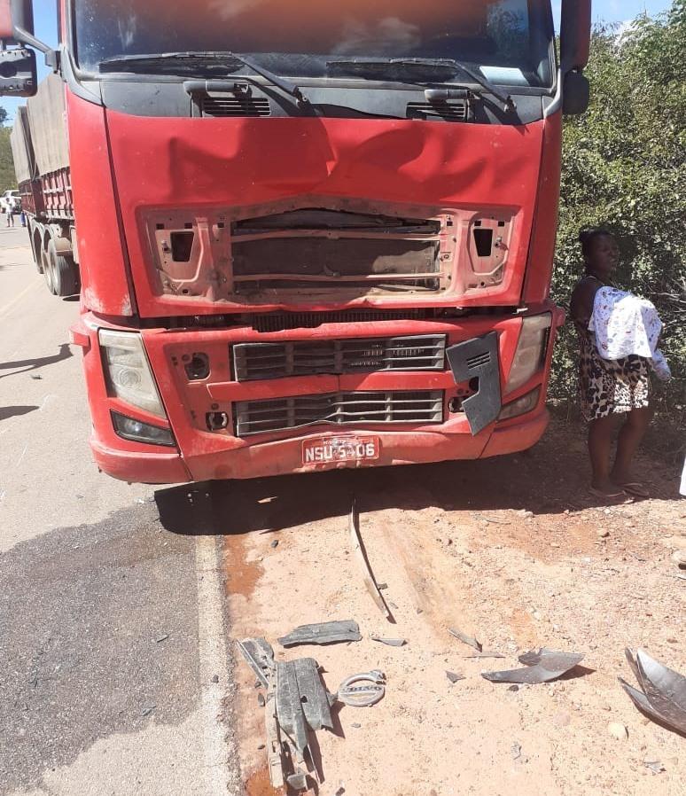 Casal morre após grave acidente entre moto e carreta na rodovia PI-415 - Imagem 2