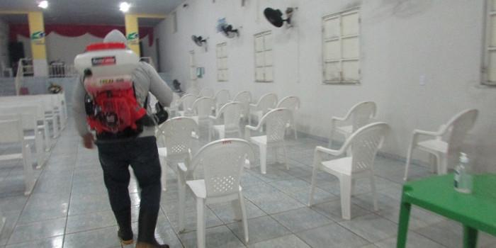 Prefeitura realiza desinfecção em igrejas