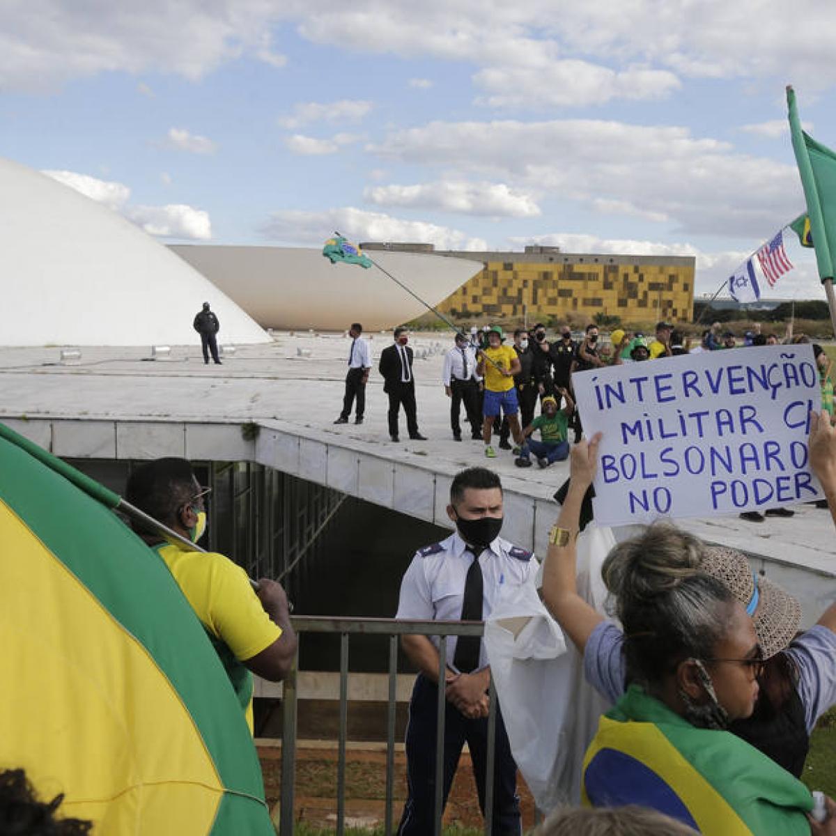 Apoiadores de Bolsonaro são alvos da PF sobre atos antidemocráticos - Imagem 1
