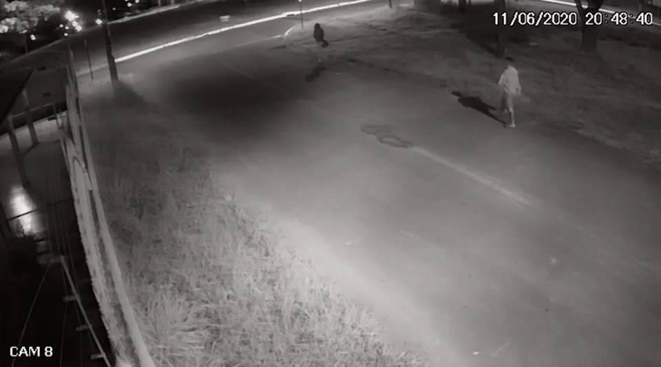 Adolescente de 17 anos estupra jovem em rua e roupa R$ 20 - Imagem 1