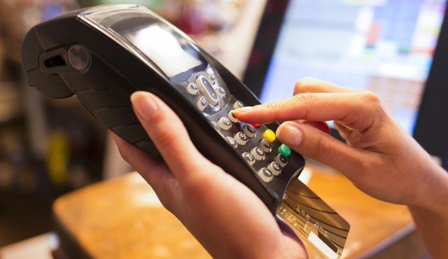 Cartão de crédito auxilia consumidores em compras durante a pandemia - Imagem 1