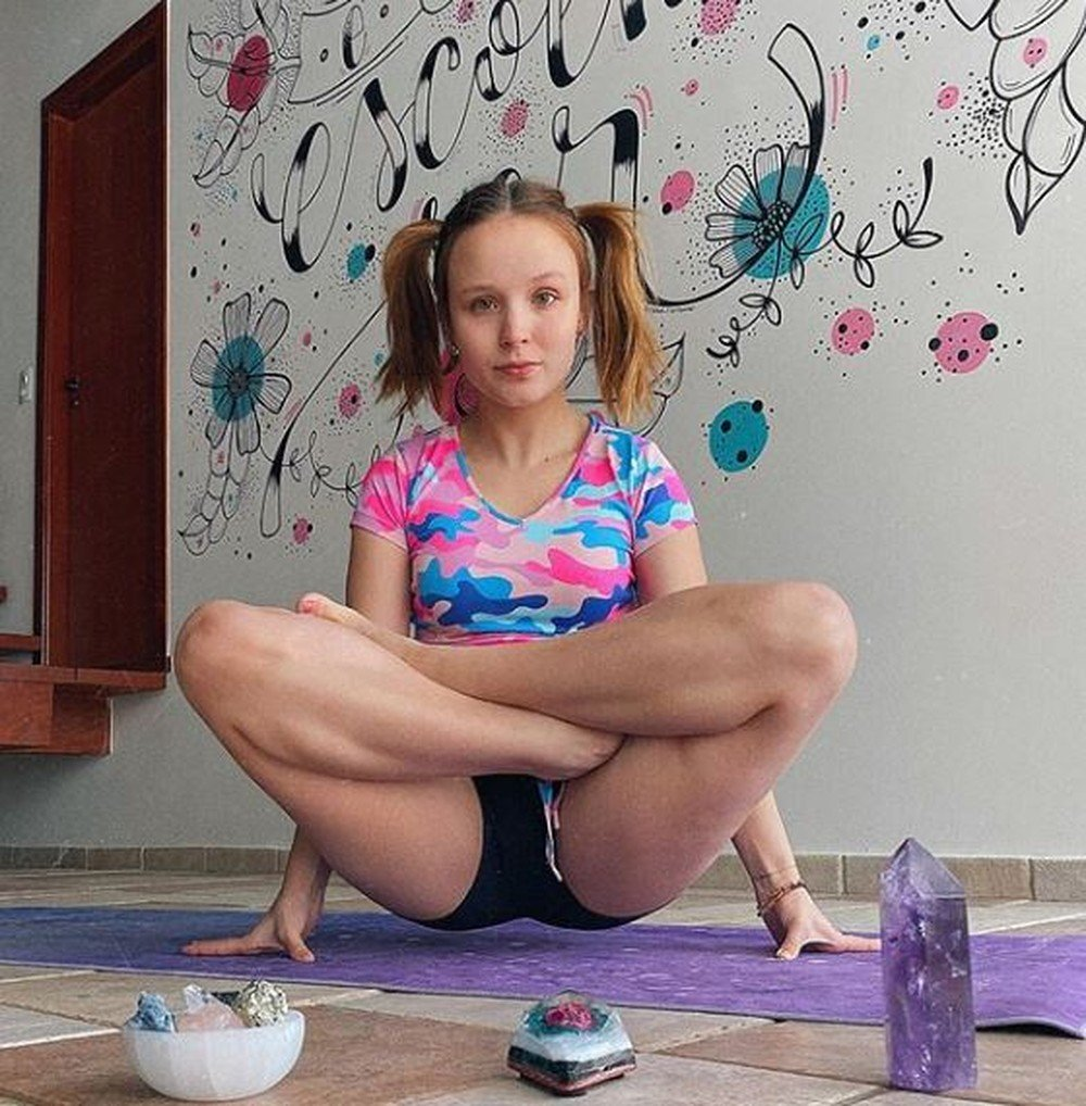 Famosas listam os benefícios com a yoga; veja fotos - Imagem 4