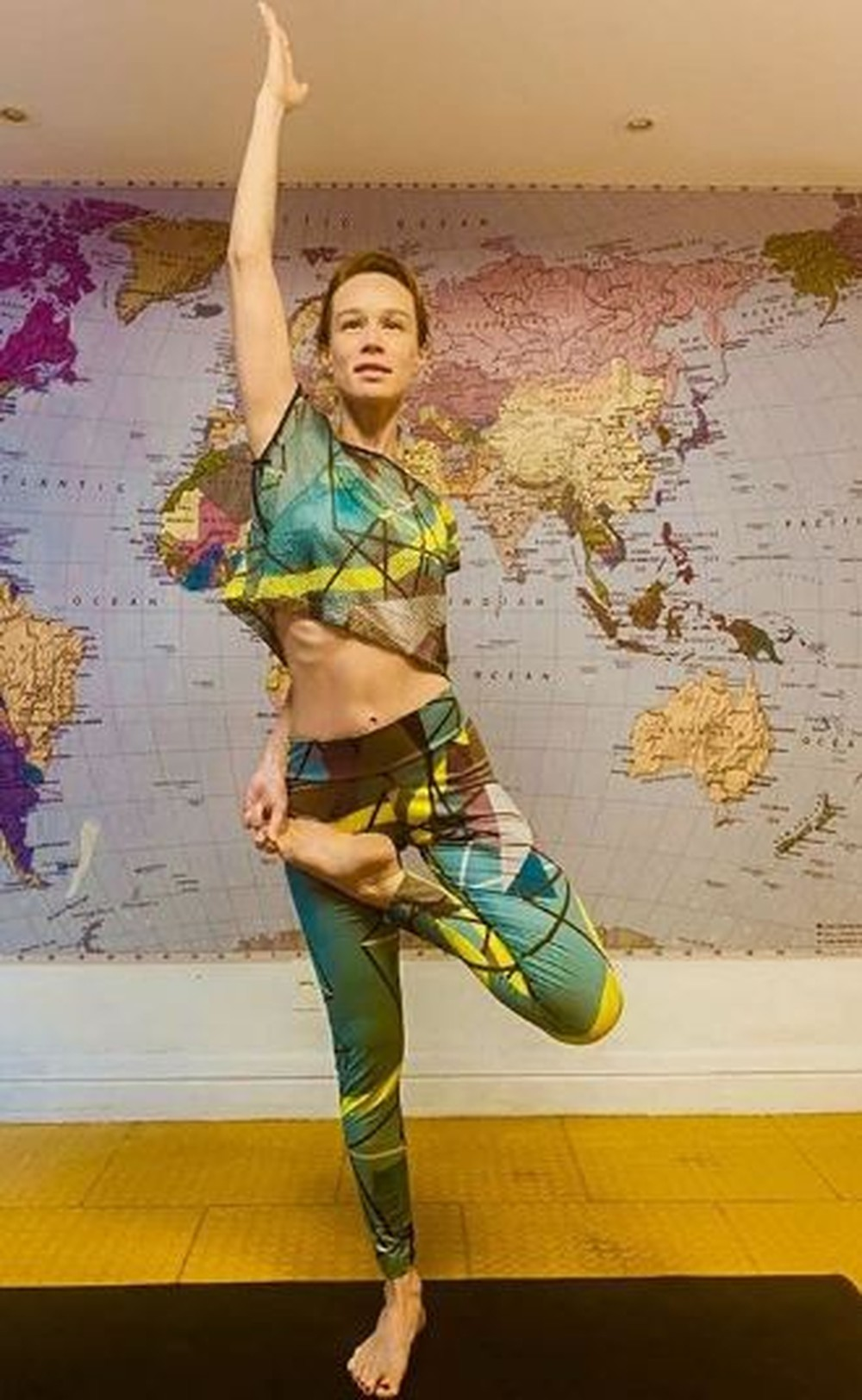 Famosas listam os benefícios com a yoga; veja fotos - Imagem 8